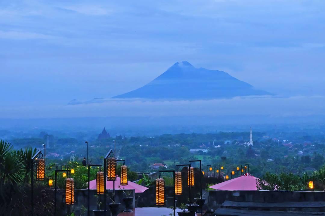 Nuansa Romantisme di Abhayagiri Restaurant Sleman Yogyakarta
