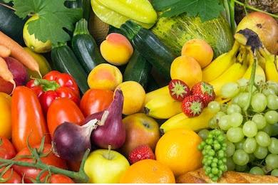 Mengajak Anak Makan Buah dan Sayur, Siapa Takut?