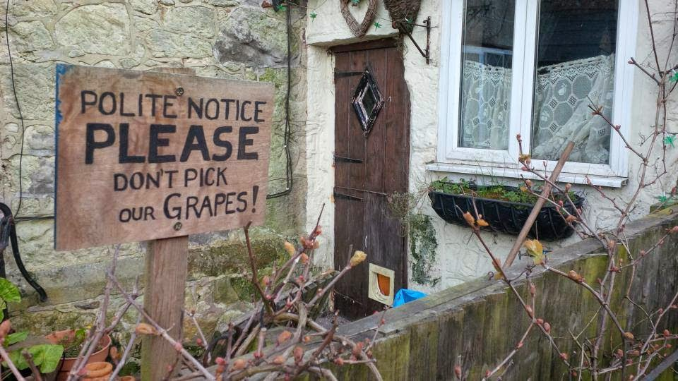 A polite notice in Niton on the Isle of Wight