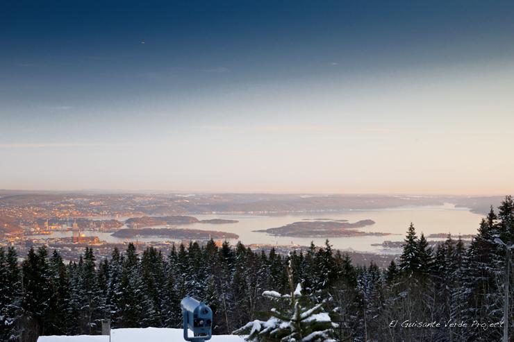 Atadecer en Frogneseteren, invierno en Oslo por El Guisante Verde Project