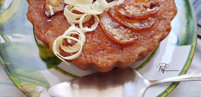 Bizcocho de manzana caramelizada en Olla Rápida