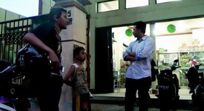 Bocah SD di Jombang Ini Menafkahi Keluarganya