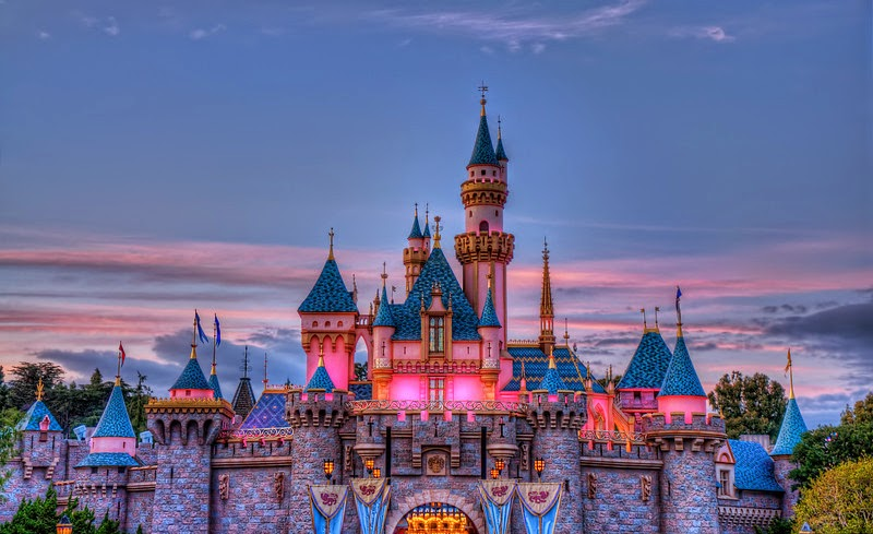 Would You Like To Plan A Perfect Day Trip In California Involving Your Children Disneyland Proves Be The Best Option Offering Ultimate