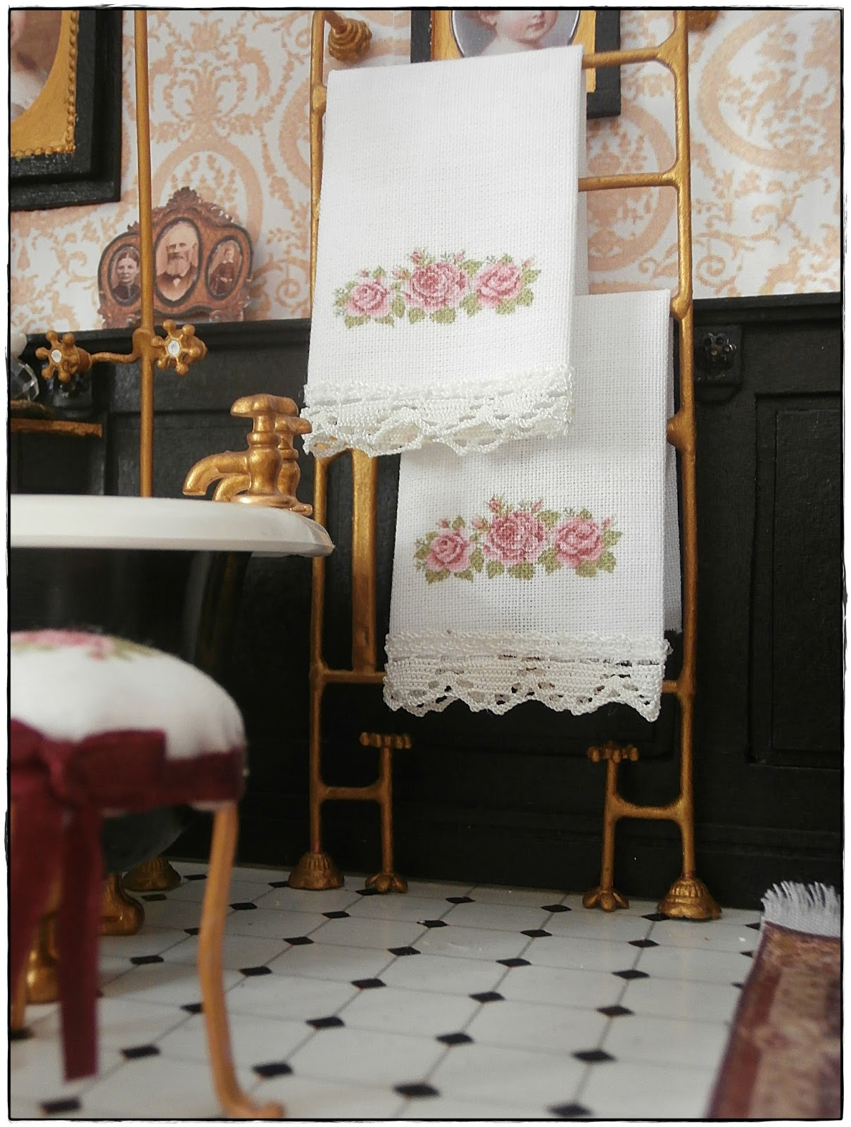 shabby dollhouse ein badezimmer. Black Bedroom Furniture Sets. Home Design Ideas