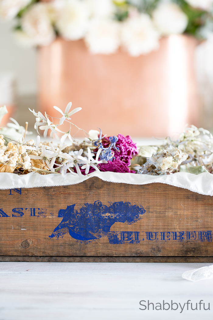 vintage blueberry crate