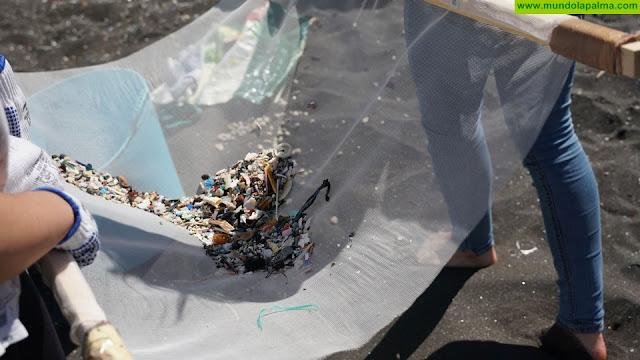 Un estudio alerta de la vulnerabilidad de Canarias ante la llegada de microplásticos