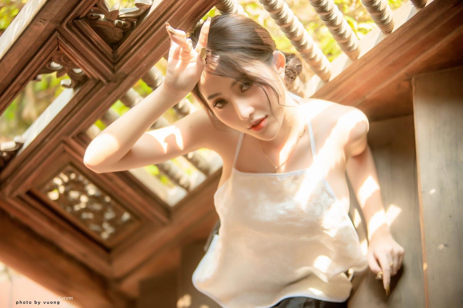 Áo yếm vừa trắng vừa xinh lại sexy @BaoBua: Việt Nam Nude Girl