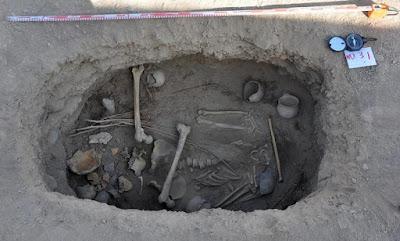 Βρέθηκε σκελετός 2.800 ετών καλυμμένος με ένα σάβανο από...κάνναβη