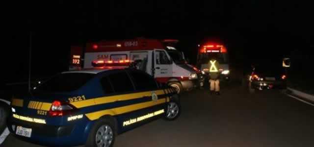 Caminhoneiro morre em acidente na BR-364; esposa fica ferida
