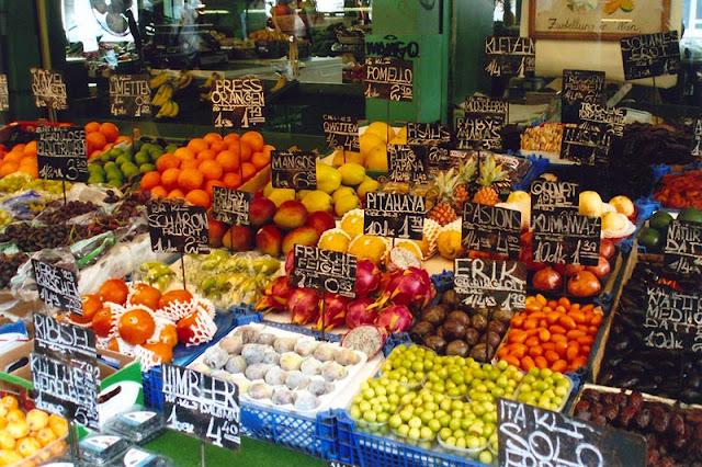 Comprar no Naschmarkt em Viena