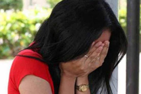 नशे में धुत सिपाही ने महिला कांस्टेबल के सामने किया ये गंदा काम - In front of women constable