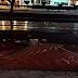 Tubulação da Caern estoura e asfalto cedeu na Eng. Roberto Freire