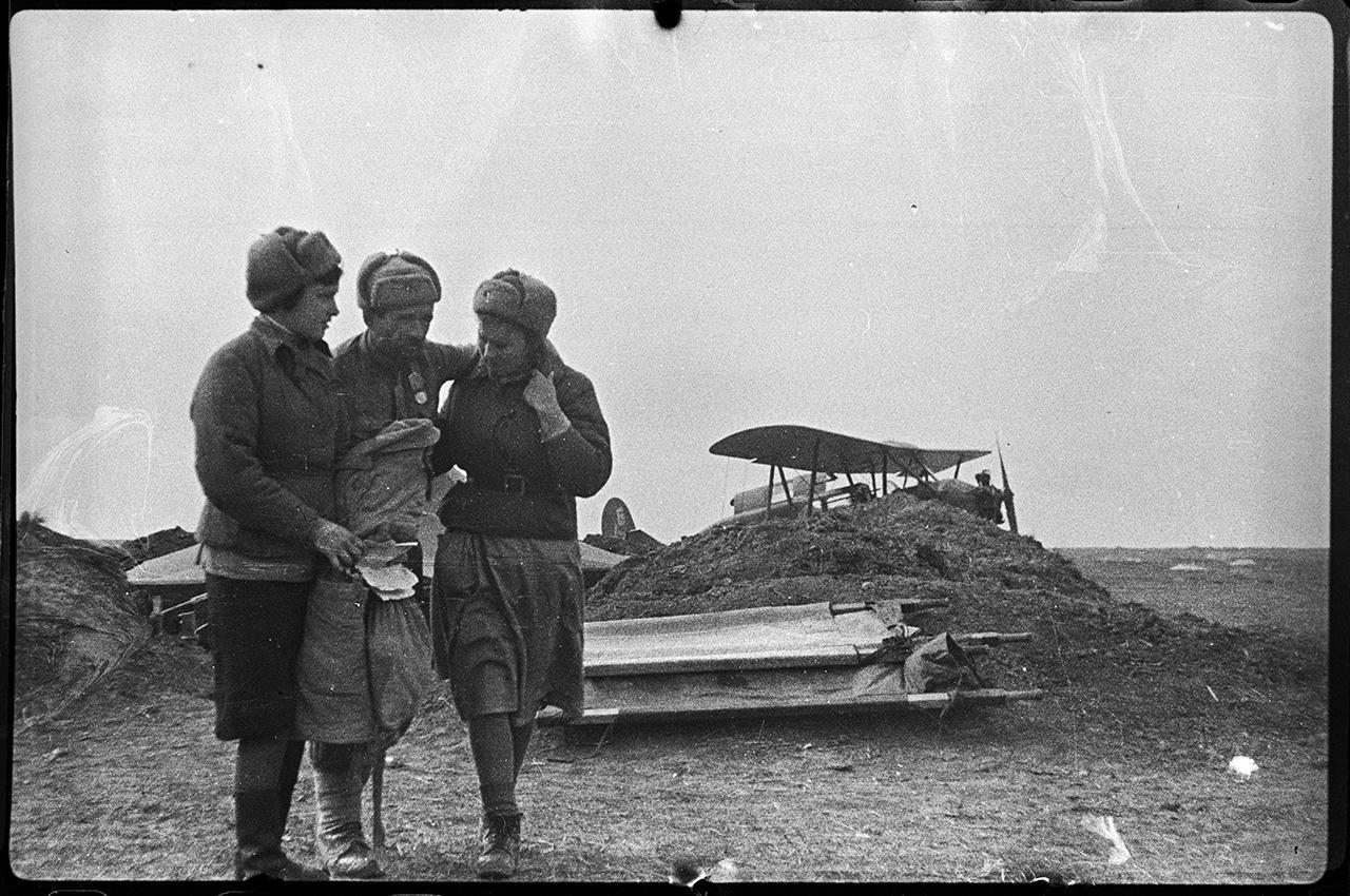 Эвакуация раненых самолетами через Сиваш, 15 апреля 1944 года