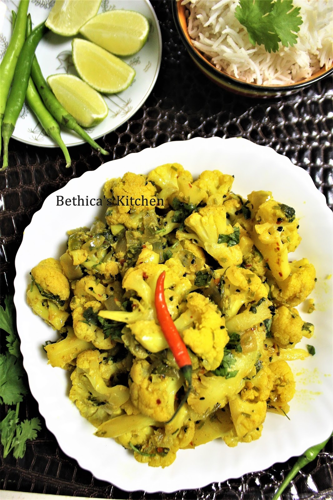 ... : Phulkophir Paturi / Dum (Cauliflower Dum - Bengali Fusion Style