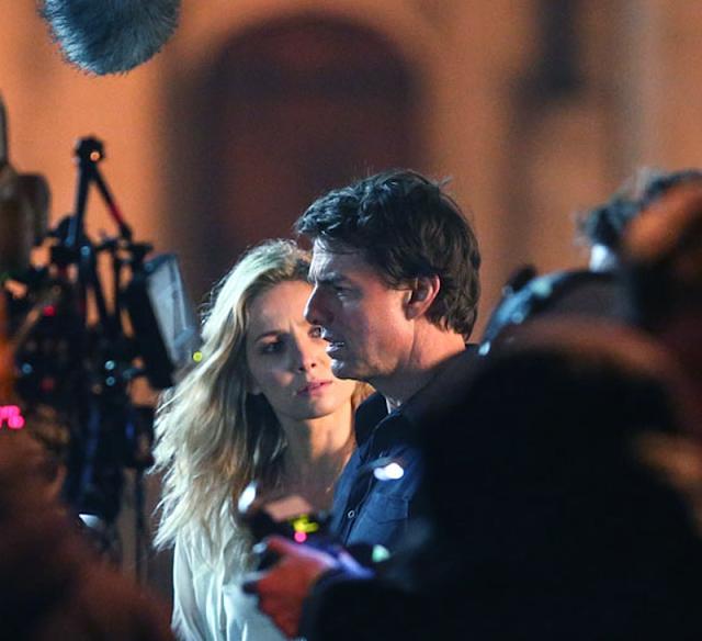 Tom Cruise şi Annabelle Wallis, pe platourile de filmare ale filmului The Mummy