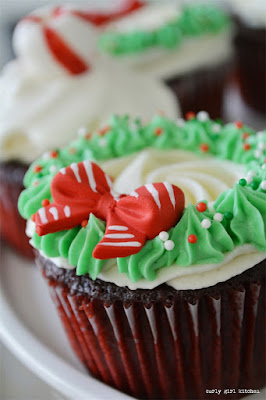 Red Velvet Christmas Cupcakes with Buttercream Wreath