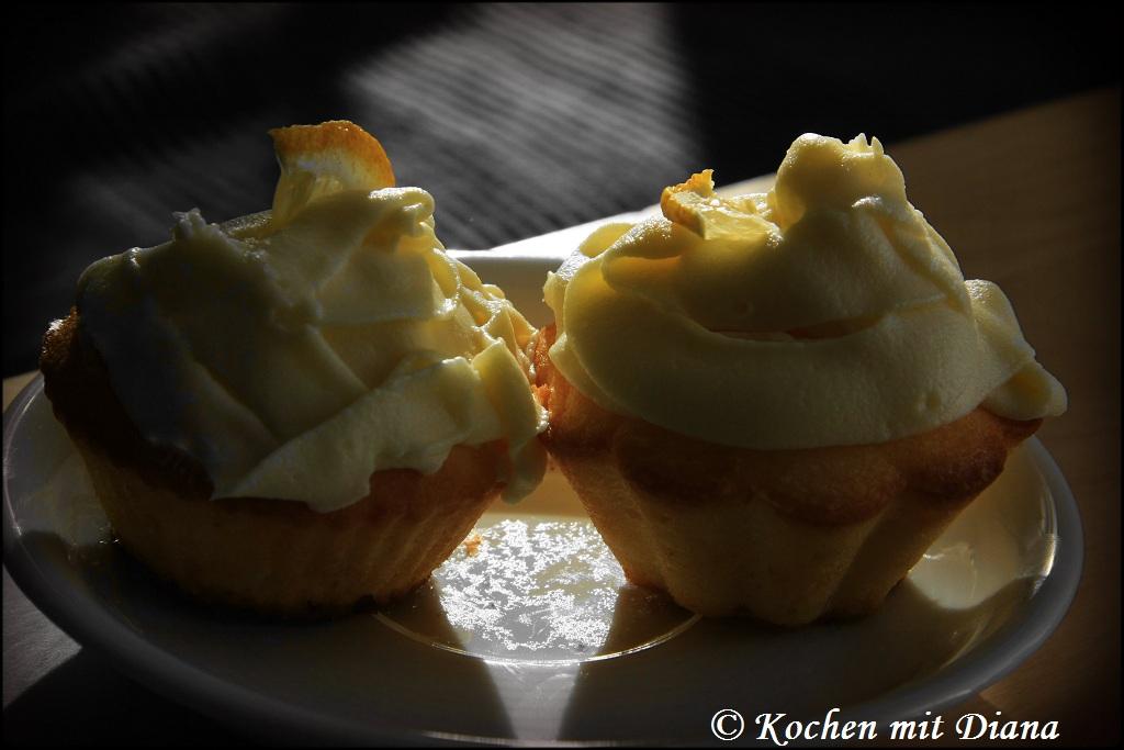 Zitronen-Cupcakes mit Frischkäse Frosting
