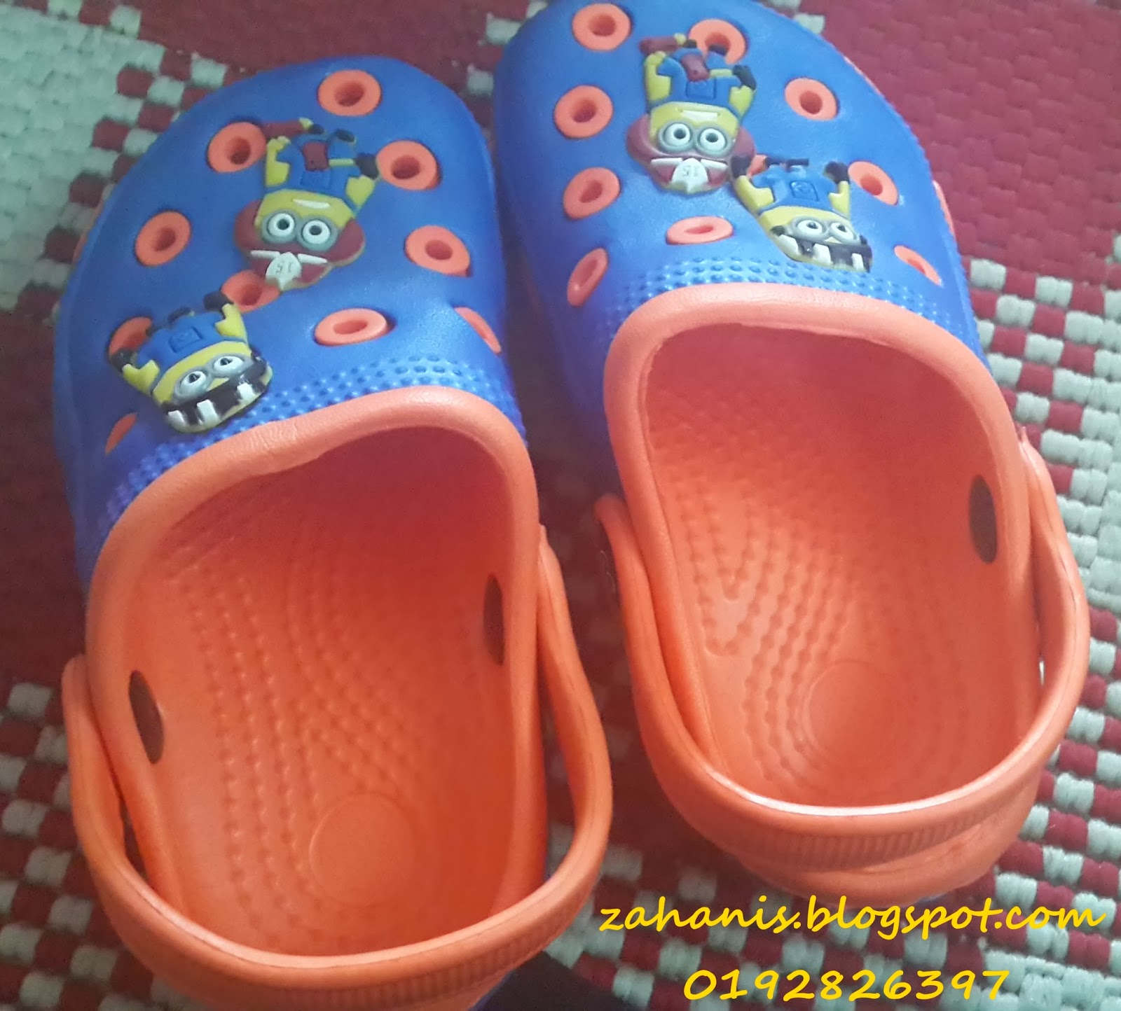 sandal bright color kid