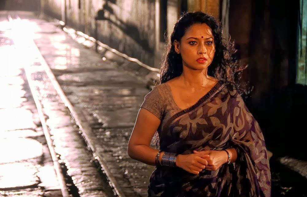 All Hotties Pooja Umashankar Hot In Saree-7705