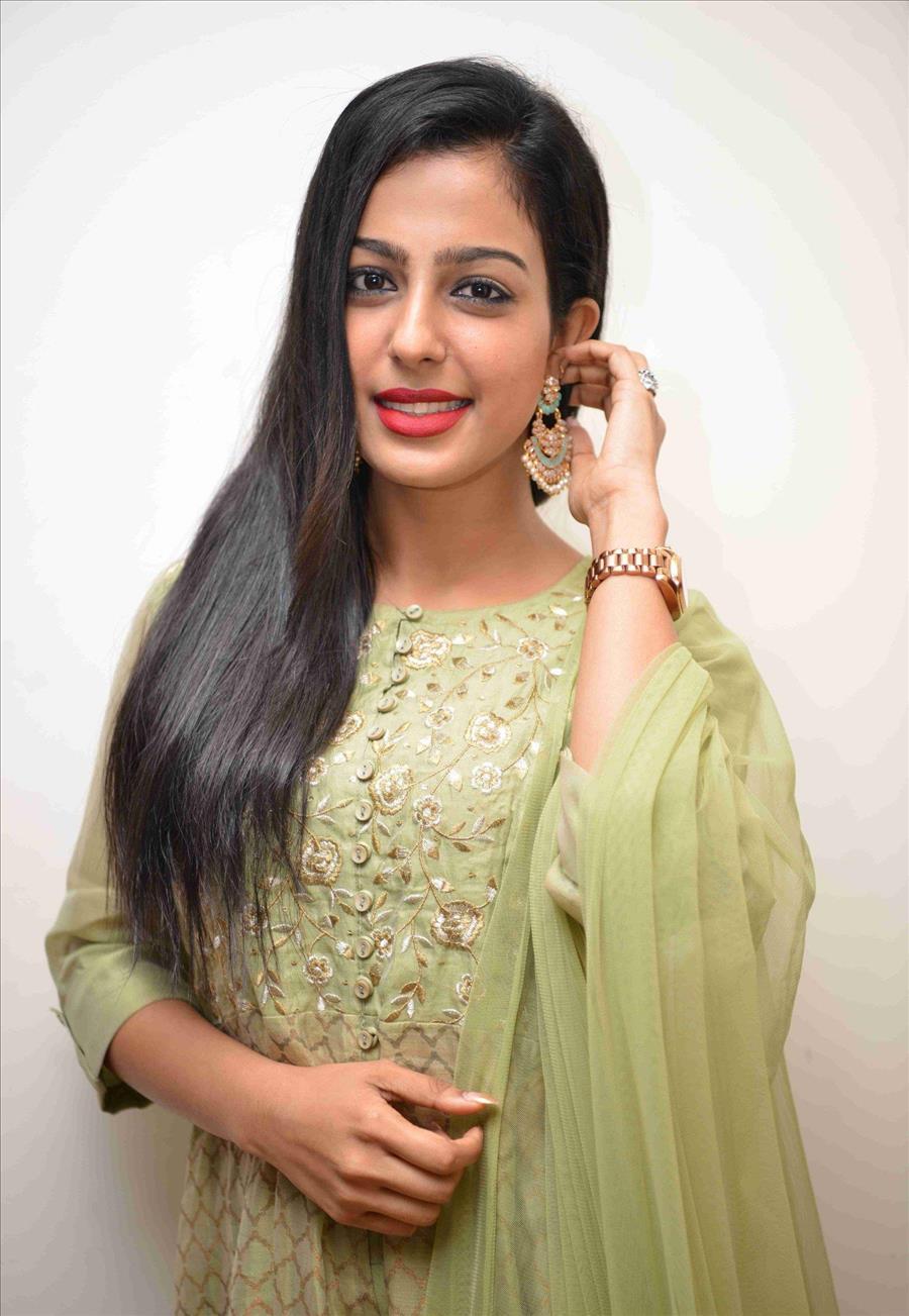 Beautiful Indian Girl Shilpa Shetty Long Hair In Green Dress