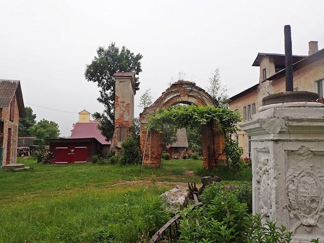 Okolice kościoła św. Marka - Wariaż (Waręż)