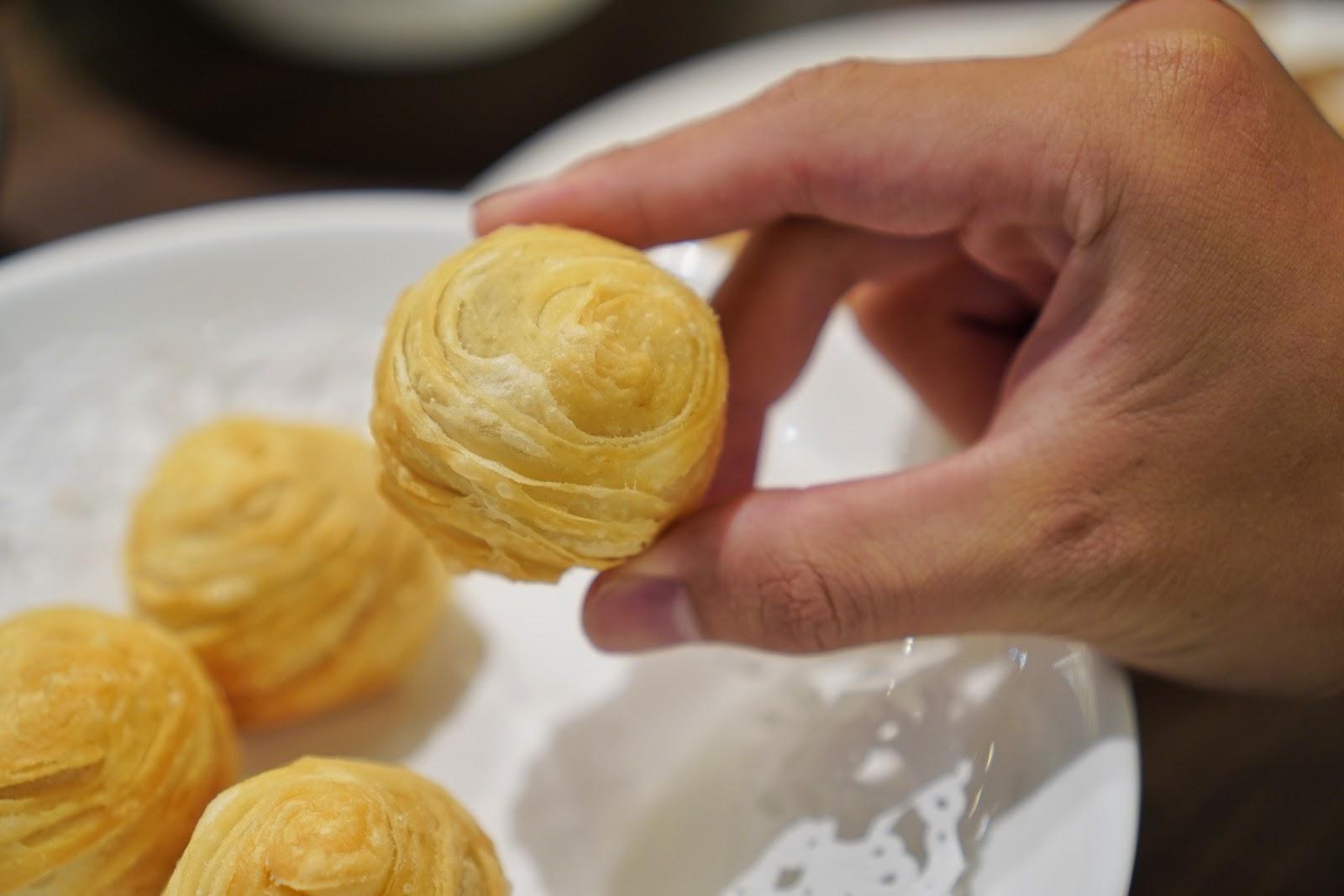 台南東區美食【廚房有雞花雕雞】手工流沙破酥包