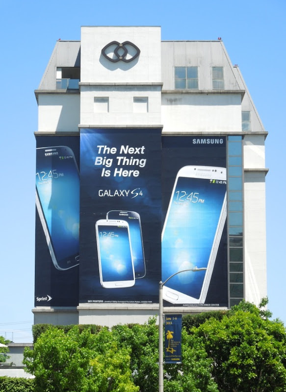 Samsung Galaxy S4 giant billboard