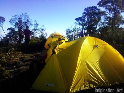 Tenda berjejer