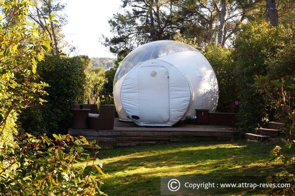 09-1001-bubble-Attrap-Rêves-Architecture-with-the-5-Bubble-Hotel-Rooms-www-designstack-co