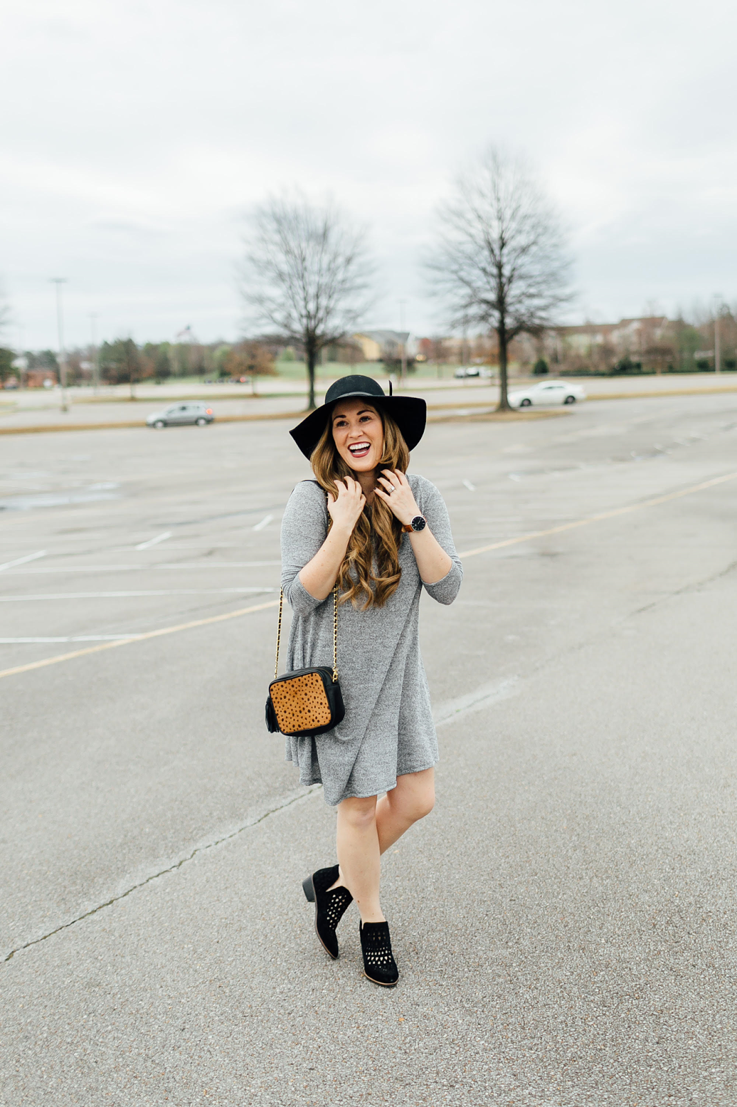 The Comfiest Turtleneck Swing Dress & Cecelia New York Shoes by fashion blogger Laura from Walking in Memphis in High Heels