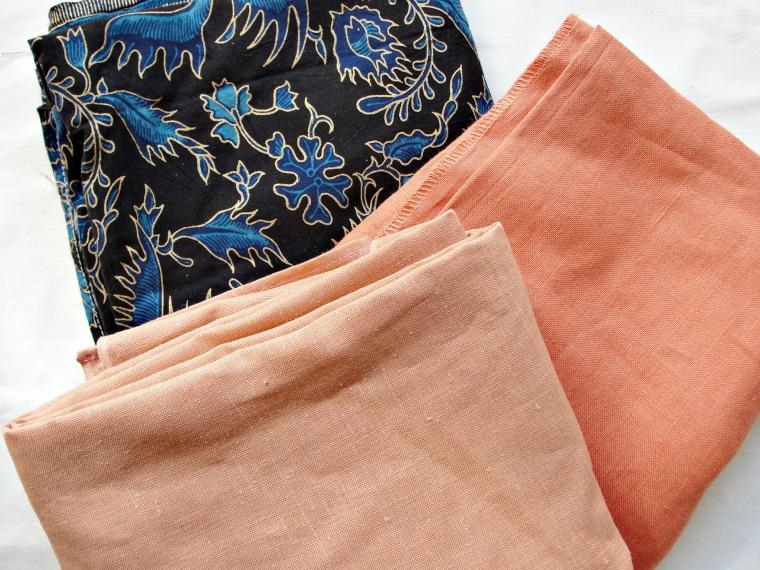 obrusy to często dobre źródło tkanin ubraniowych
