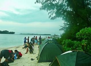 http://www.teluklove.com/2017/04/destinasti-objek-wisata-pulau-kayu.html