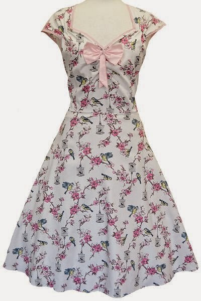 Great Reasons to wear a Sweetheart neckline with Rockabilly Pin Up!