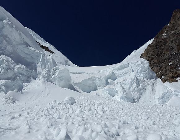 Avalanche-geleira-neve