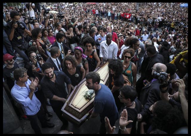 "BRASIL DE LUTO | Milhares se manifestaram no Brasil gritando ""Marielle, presente!"""