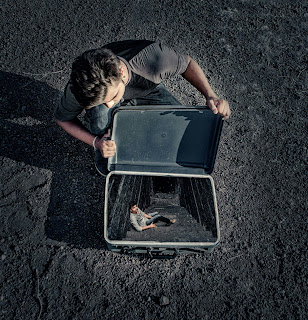 Relax in suitcase | SWAPPY PAWAR PHOTO EDITING PICSART TUTORIAL
