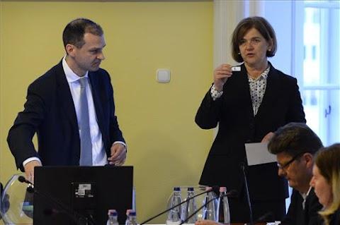 EP-választás - Kisorsolta a listák szavazólapi sorrendjét az NVB