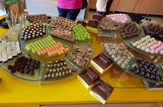 http://www.teluklove.com/2017/04/pesona-keindahan-wisata-dapur-cokelat.html