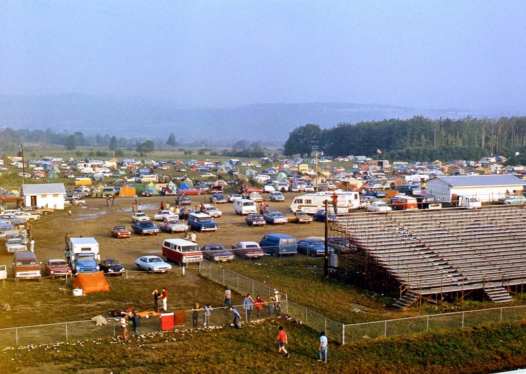 af426aefdcd2 Cool Pictures of Fans at 1973 Summer Jam Rock Festival at Watkins Glen