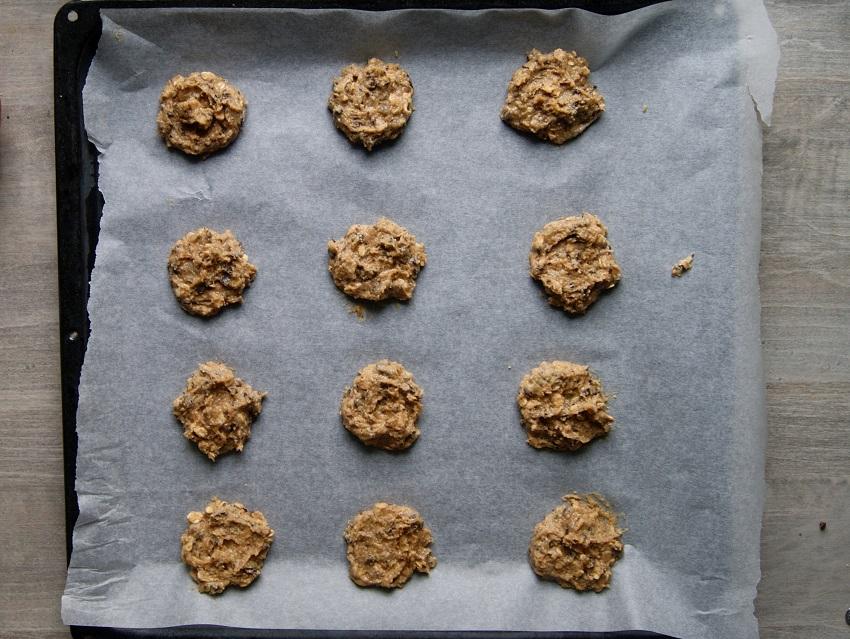 Ciasteczka bezglutenowe z masłem orzechowym i kawalkami czekolady