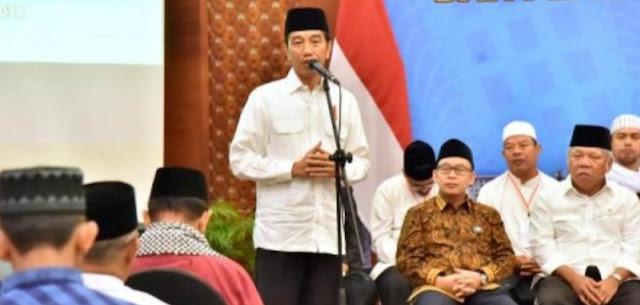 Presiden Jokowi Janji Percepat Pembahasan RUU Pesantren