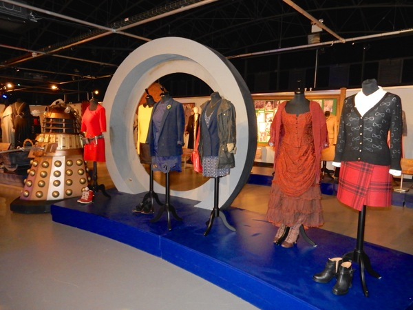 Hollywood Movie Costumes and Props: Doctor Who Companion ...