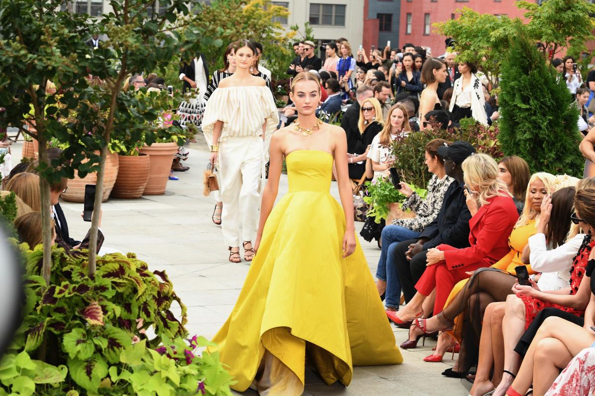 Oscar de la Renta New York Spring 2019 Runway | Cool Chic Style Fashion