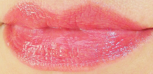 dior-addict-lipstick-lip-swatch