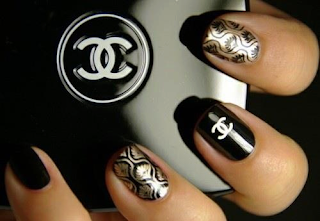 Decoration ongle chanel