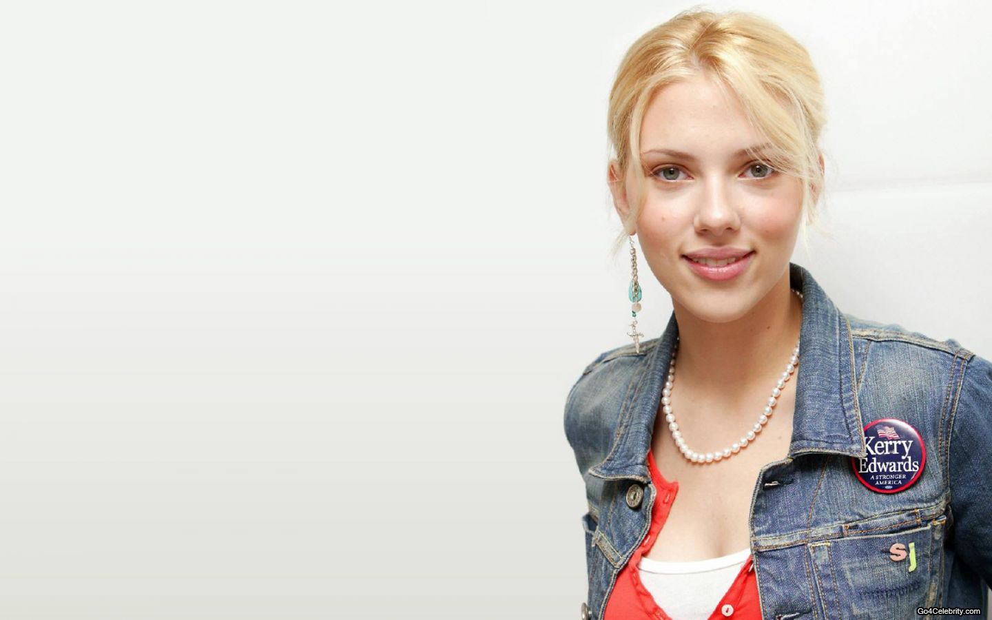 Scarlett Johansson Wallpaper: Scarlett Johansson Wallpaper Pack 4