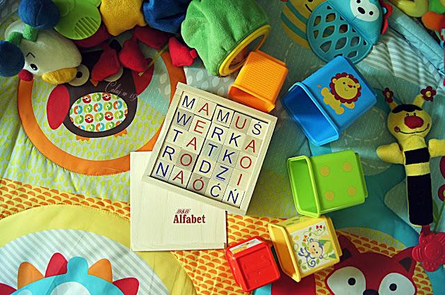 Drewniany alfabet i zabawki Weroniki
