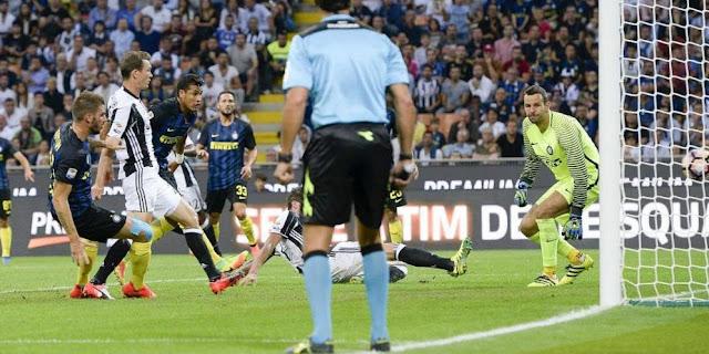 Stepenh Lichtsteiner Juventus vs Inter