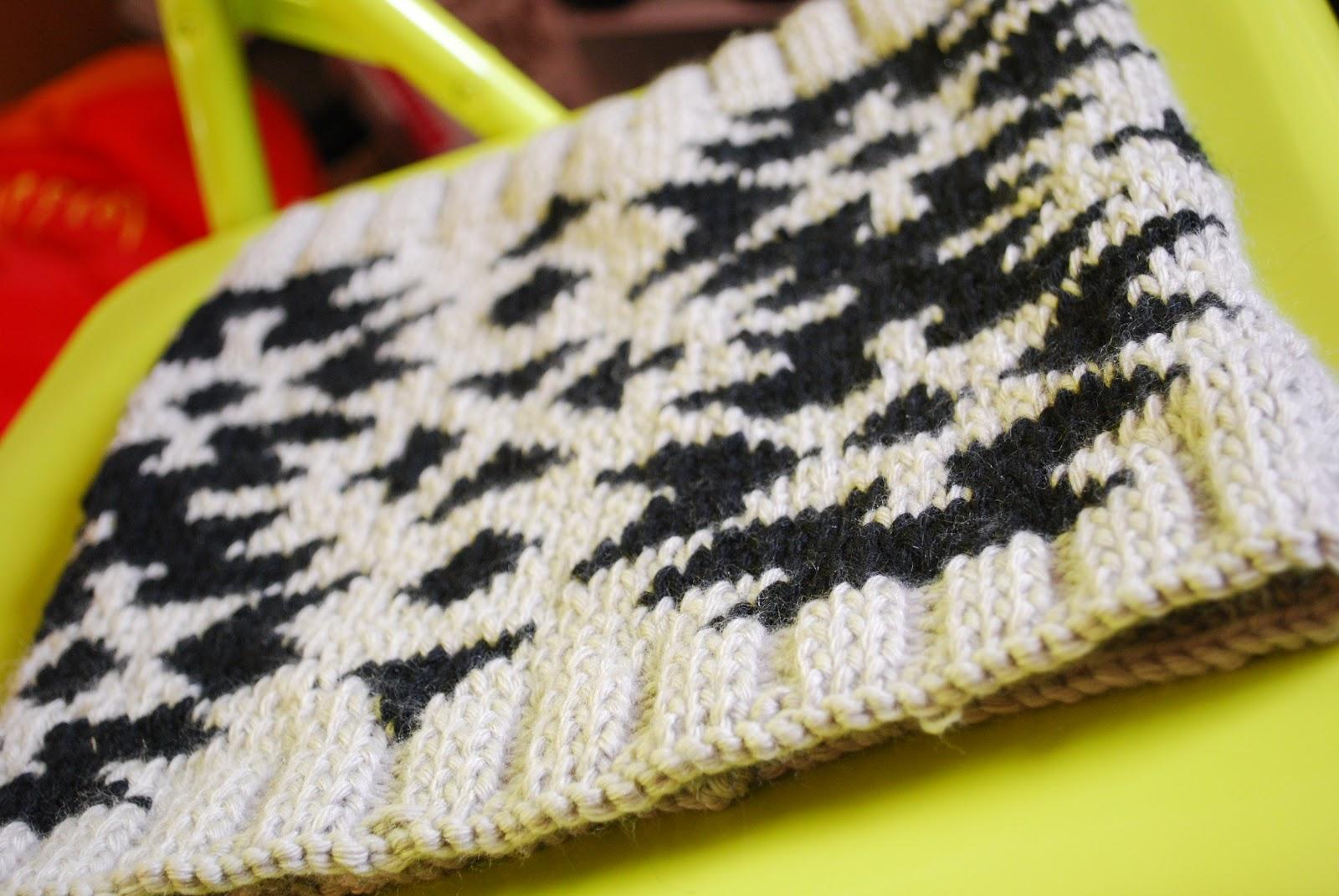 8fa5a2b8de7e Mon snood jacquard Phildar au tricot
