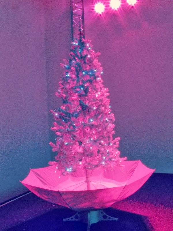 nHow Berlin Weihnachtsbaum Pink